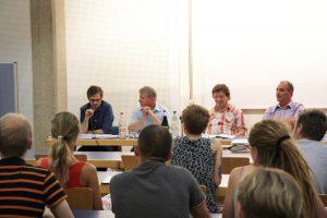 Teilnehmer der Podiumsdiskussion zum kommunalen Verbot für Zirkusse mit Wildtieren Dresden