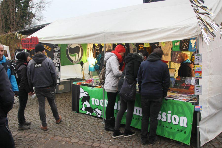 roots of compassion-Stand auf dem 2. veganen Wintermarkt Dresden